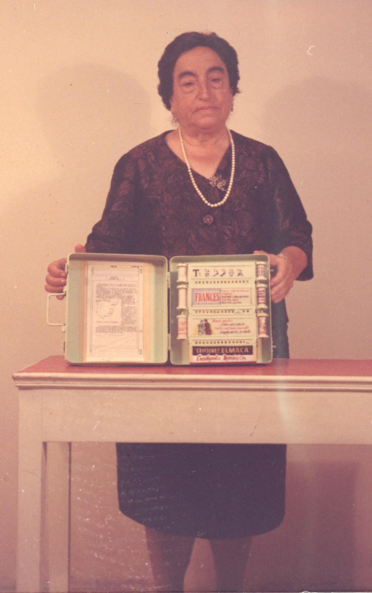 Angela Ruiz Robles